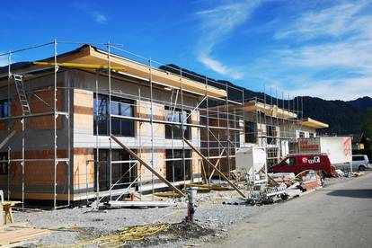 Eigennutz oder Anlage - interessante Doppelhaushälften - Neubau mit Bergblick zu verkaufen!