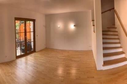 Gediegene Doppelhaushälfte mit ausgebautem Dachgeschoss!