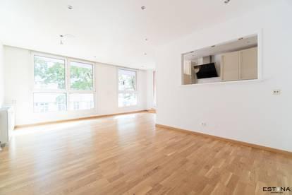 Wunderschöne 2 Zimmer Wohnung mit Top Ausstattung und Balkon