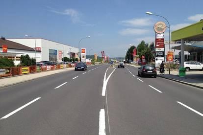 Vielseitige Hallen- Geschäftsfläche 1300 m² in bester Lage an der Ennserstraße!