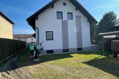 2 Einfamilienhäuser mit Garten in Hörsching zum Preis von einem!
