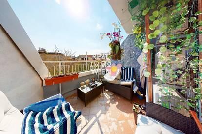 Wunderschöne helle Dachgeschosswohnung mit 3 Zimmer und Blick ins Grüne.