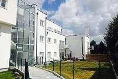 4 Zi Mietwohnung 99 m² + Terrasse von 45 m²  + Stellplatz KFZ