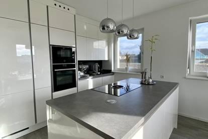 Perfekte Gartenwohnung für Pärchen mit großzügigem Grundstück - Südwestausrichtung - 2 Carportplätze und vieles mehr!