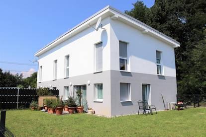 Günstige, neuwertige Doppelhaushälfte in Kalsdorf inkl. Doppelcarport