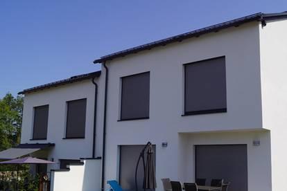 Hochwertiges, modernes Baumeister-Doppelhaus