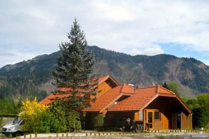 Gemütliche Gartengarconniere-Wohnung im Holzhaus. Erholung. Döbriach. Millstättersee.