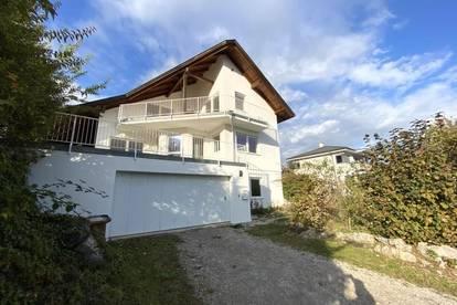 MIT HERRLICHEM FERNBLICK: Einfamilienhaus mit mehreren Terrassen, Garage und unendlich Stauraum!