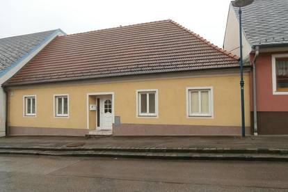 Zistersdorf: Generationenhaus mit 10 Zimmer