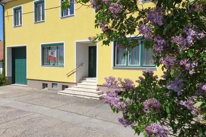Wildendürnbach - KAUF: Einfamilienhaus mit vielen Zimmer und einer Halle