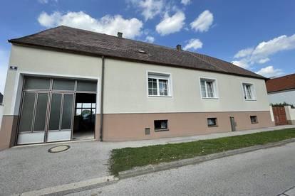 GROSSES EINFAMILIEN-HAUS MIT ROHDACHBODEN UND 1.443 m² GRUND - NEUSIEDLERSEE!