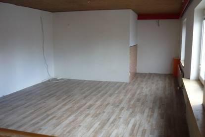 Schwaz: geräumige 90m² 3 Zimmer Mietwohnung, zentral gelegen