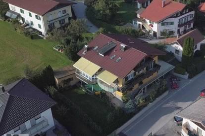 Seekirchen: Mehrfam.Haus (3 Wohnungen und 3 Garagen) in herrlicher, zentraler Lage, sonnig ruhig