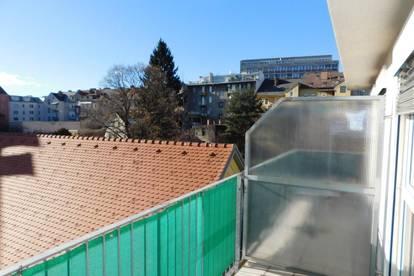 Zentrale und ruhige Kleinwohnung mit Sonnenbalkon