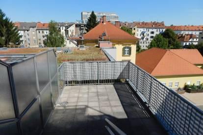 Zentrale Hoflage: große Terrasse für Single oder Pärchen