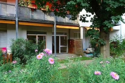 Eggenberg-Nahe FH-Joanneum: ruhig, gemütlich, 2 Zimmerwohnung mit Terrasse und kleinem Grünbereich