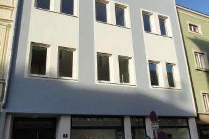 Kurzfristig beziehbar: ruhige, zentral gelegene 2-Zimmer-Mietwohnung mit kleinem Balkon in Ried