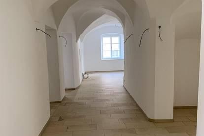 ERSTBEZUG: Büro/Ordinationsfläche in der Schärdinger Innenstadt im 1. Obergeschoss mit Lift
