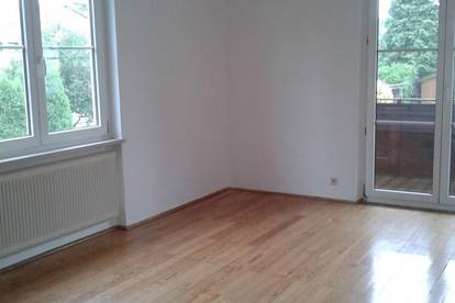 Gepflegte, helle 2-Zimmer-Mietwohnung mit Balkon in ruhiger Whnlage in Ried