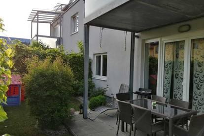 Gepflegte, sehr gut aufgeteilte und helle 3-Zimmer-Wohnung mit Terrasse und kleinem Garten in zentraler Lage Ried