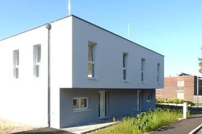 Moderne Doppelhaushälfte mit großer Terrasse
