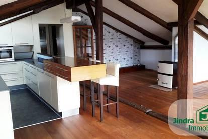 Einmalige Dachterrassen-Wohnung im Zentrum der Haller Altstadt zum Verkauf!