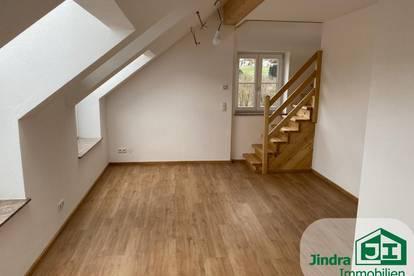 Wohnen im Schloss: 2-Zimmer Mietwohnung mit Galerie, zur Vermietung!