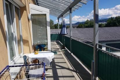 PROVISIONSFREIES PENTHOUSE MIT 25 m² TERRASSE, KELLER, PARKPLATZ (Siebenhügel 23/2/15) - 3 ZIMMER - AB 15.09.2020 BEZIEHBAR