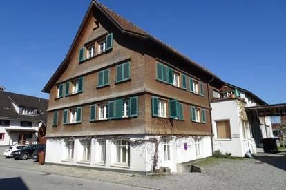 Schöne 3,5-Zimmer-Dachgeschoss-Wohnung