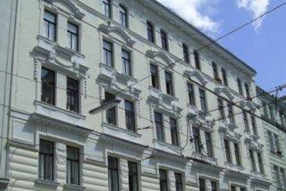 Albertgasse, Altbaumiete 67m²  in repräsentativen Lifthaus,  2 Zimmer, Nebenräume, 2. Liftstock