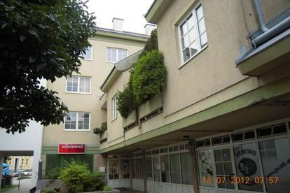 01630 00094 / Amstetten, Wohnung über 2 Geschosse im Zentrum