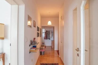 große stilvolle sonnige 3-Zimmer-Wohnung