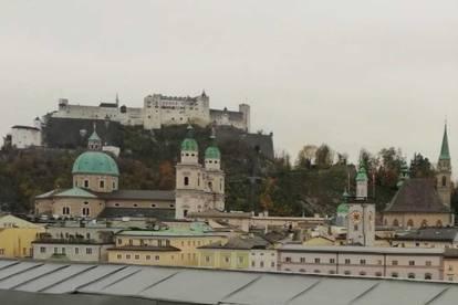 Dachterrassenwohnung mit Festungsblick