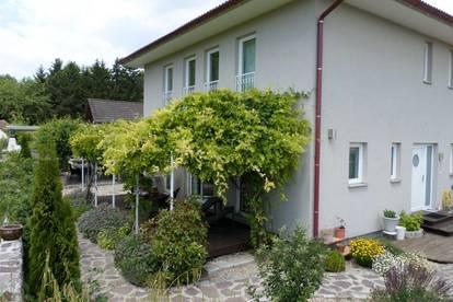 Wunderschöne 6-Zimmer Villa mit gepflegtem Garten in Oberwaltersdorf