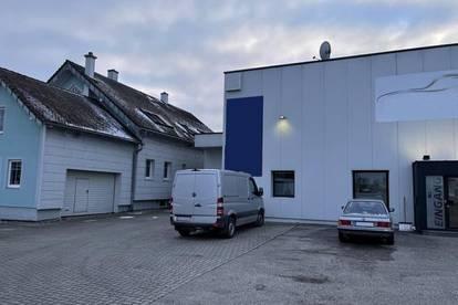 Wohn-Büro Haus und Werkstatthalle mit Büro