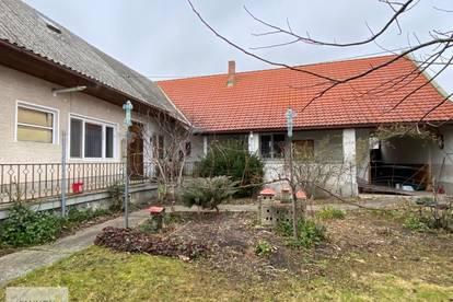 Großzügiges Bauernhaus mit Weinkeller und Nebengebäude