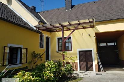 Gmiatliche Mietwohnung im Ortszentrum mit sonnigem Garten