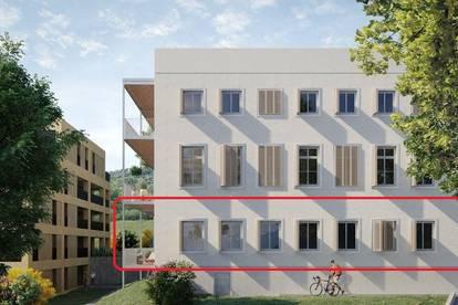 PROVISIONSFREI & ERSTBEZUG: 3-Zimmer-Wohnung im sanierten Altbau, mit Balkon. 3 Minuten zum Traunsee! (A.02)