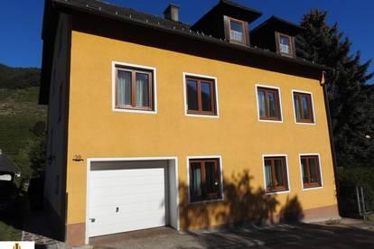 Sehr gepflegtes, großes Mehrfamilienhaus in der Wachau, in Gut am Steg, ca. 3,3 km von Spitz an der Donau entfernt!