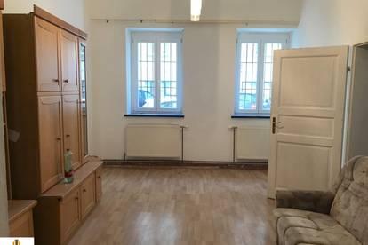 2 Zimmer-Altbauwohnung beim Reumannplatz!