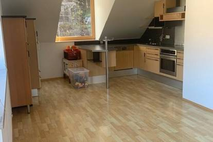 Extravagante Wohnung in extravaganter Umgebung (85 m2) für Singels und Pärchen