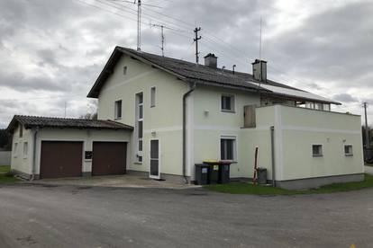 Teilautarkes Wohnen am Land auf zwei Wohnebenen mit Garten und Garage