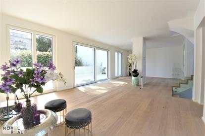 Moderne High-end Villa im Erstbezug - zentral angebunden und doch im Grünen - am Fuße des Wilheminenbergs!