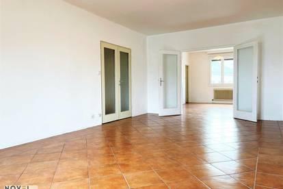 WG geeignete 4 Zimmer Wohnung mit Balkon in U4 Nähe