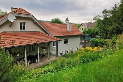 Schöne Familienvilla mit traumhaftem Garten in Klosterneuburg-Kierling - NÄHE WIEN UND DONAU