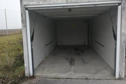 Garage/Container  in zentraler Lage nahe Amstetten ab sofort günstig zu vermieten
