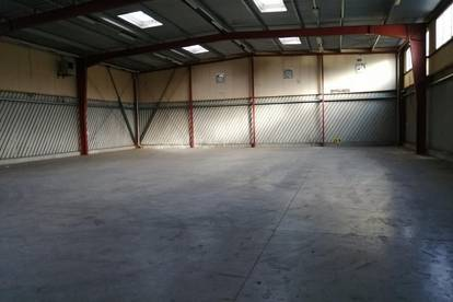 Lagerhalle mit sehr guter Anlieferungs- und Zufahrtsmöglichkeit inkl. großer Freifläche