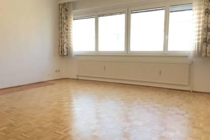 Großzügige 1-Zimmer-Wohnung in Toplage! Extraküche!