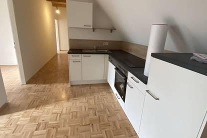 Provisionsfrei! 2.OG! 114m² 4 -Zimmer! Nagelneue Küche! Wohn(t)raum am Griesplatz!