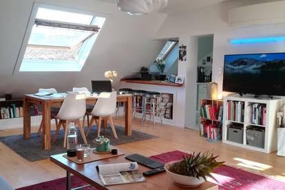 Moderne Zweizimmerwohnung im (kühlen) Dachgeschoß - provisionsfrei ab März oder April 2020